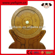 деревянный стол календарь вечный календарь