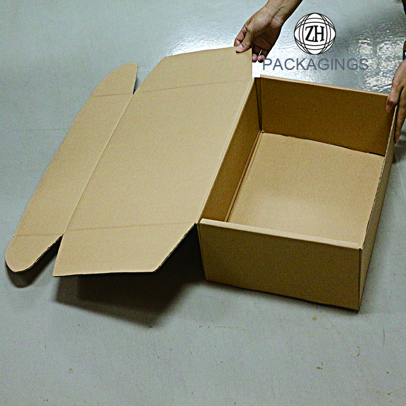 Brown craft fluting paper shipping box