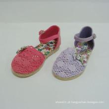 Sapatas bonitas do miúdo das sapatas de bebê da forma para o laço da menina para fora para fora sandálias sapatas