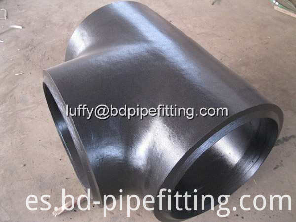 Alloy pipe fitting (500)
