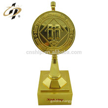 China manufacturer custom zinc alloy antique gold trophy parts in metal crafts