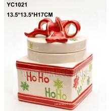 Pot à la main à la main au pot de Noël