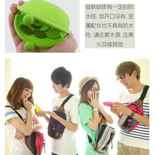 Eco-friendly Green Silicone Coin Purse With Custom Logo, Zip / Kiss Lock 90 * 72 * 40mm