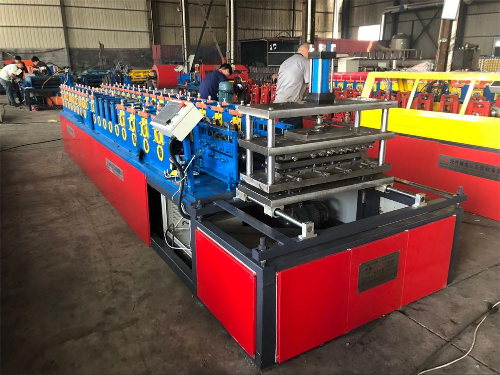 Automatic galvanized steel plate roll forming machine