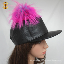 Custom Black Leather Snapback Hut mit bunten Waschbär Pelz Ball
