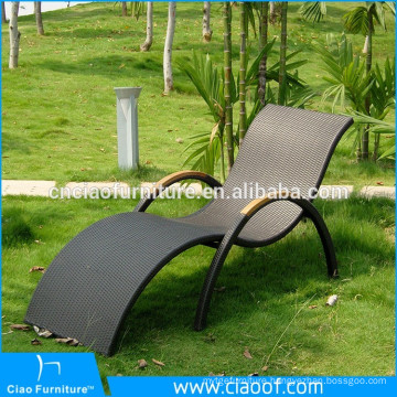 Cheap Factory Price Outdoor Wicker Deck Chairs / Sun Lounges For Sale
