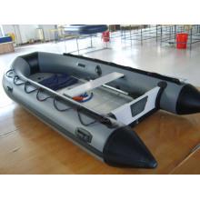 Надувная лодка 2,7 м с 4-тактным подвесным двигателем мощностью 4 л.с.