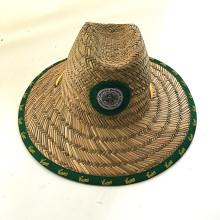 Chapéu de palha da forma do verão