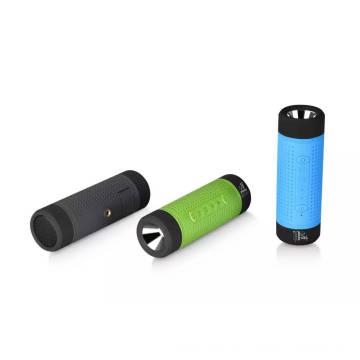 Altavoz Bluetooth impermeable con batería de energía / linterna / luz LED