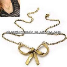 Chine fabricant bon marché en gros charme collier en or pour femmes