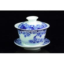 """""""Mariposas Lingering Over Flowers"""" Pintura taza de té azul con platillo (180cc)"""