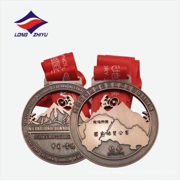 China estilo ahueca medalla de recuerdo con cinta