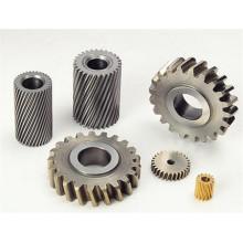 CNC que trabaja a máquina las piezas del engranaje de la maquinaria agrícola