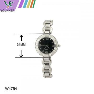 Relógio de pulseira de senhoras de mulheres bonitas com pulseira de liga leve
