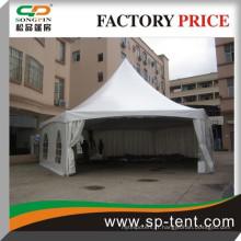 En vente Tente extérieure en aluminium ignifuge 6 x12m avec décoration de luxe Doublure blanche pour fête de mariage
