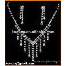 Conjuntos de collar y aretes