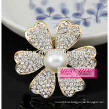 Broches hechas a mano de la perla de la flor