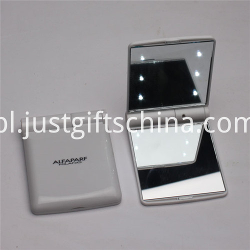 Promotional Portable Make Up Mirrors W Lights1
