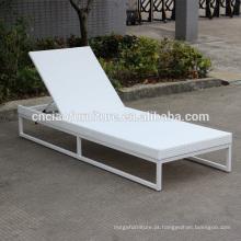 Novo design ajustável moldura de alumínio e espreguiçadeira de vime branco com almofada