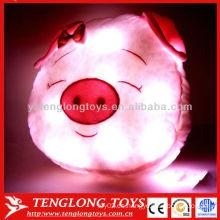 2015 La cabeza encantadora caliente del cerdo de la luz de la noche de la venta LED encendió la almohadilla