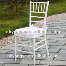 China precio de fábrica blanco resina chiavari silla