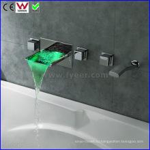 Настенный ванна и душ Кран ванной Кран светодиодные (FD15302WF)