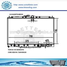 Réservoirs en plastique de radiateur pour Mitsubishi Diamante 92-96 OEM: AW326701 MB660673 MB924266