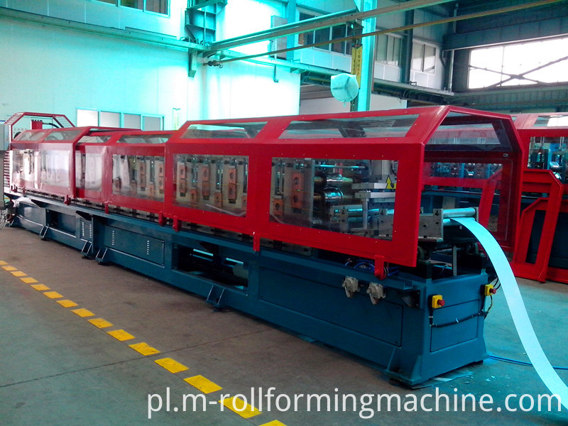 Rolling of steel stud roll forming