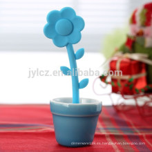 Colador al por mayor promocional del té del silicón de la flor con el pote ordenado de cerámica