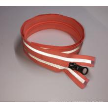100% poliéster ecológico cosido en la cinta reflectante de seguridad colorida de la prenda