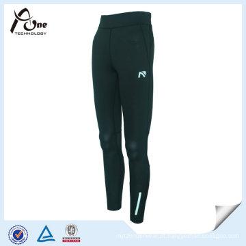 Mulheres de cintura alta design executando calças justas para esportes
