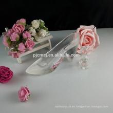 La estatuilla de los accesorios de la decoración de los zapatos del cristal cristalino favorece GCG-043