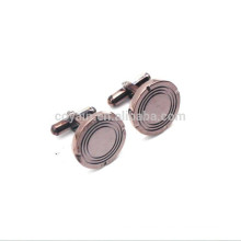 Cobre antiguo plateado en forma de metal redondo en forma de botón de pun ¢ o