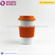Café de acero inoxidable para llevar la taza con la cubierta y la base de silicio