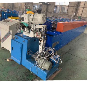 Hujan Gutter Square Roll Roll Forming Machine