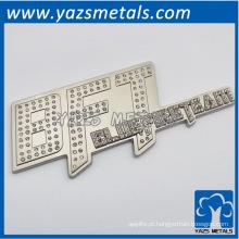 Personalize placas de metal em strass