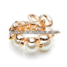 Broche de flores de perlas de fantasía para prendas de vestir