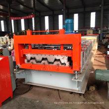 El proveedor de China económico y duradero auto coloreó el tablero de baldosas de la losa del metal de acero del panel de la pared del piso que balanceaba la máquina