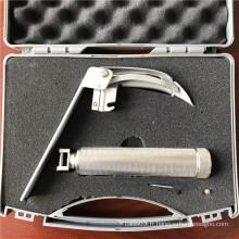 Laryngoscope flexible pour l'inspection et le traitement
