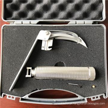 Laringoscópio flexível para inspeção e tratamento