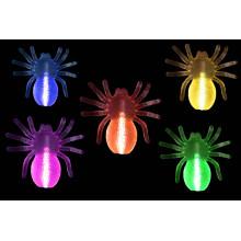 Un nouvel animal jouet fait briller une araignée pour Halloween