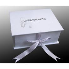 Подарочная коробка с ручкой и логотипом покупателя