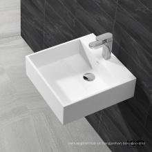 parede de pequeno tamanho pendurado lavatório de cerâmica pia do banheiro