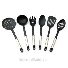 Juego de utensilios de cocina de nylon con mango de acero inoxidable