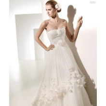 A linha de Sweetheart Chapel Flowers Ruffled Wedding Dress