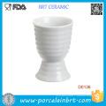 Tasse jetable d'oeuf de porcelaine de rayure blanche