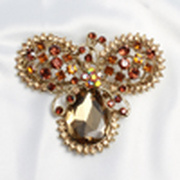 Dazzling Golden Mini Mouse Shaped Crystal Brooch