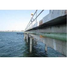 Fiberglas / GFK / GFK-Rohr über Meer oder Fluss