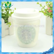 YSm0012 Fábrica diretamente caneca de café cerâmica com tampa de silicone e manga