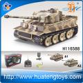 El tanque más nuevo de la batalla de RC con el tanque infrarrojo RC H116588 que lucha